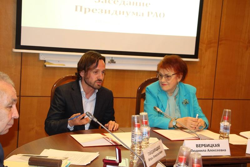 Людмила Вербицкая и Алексей Каспржак - подписание Соглашения