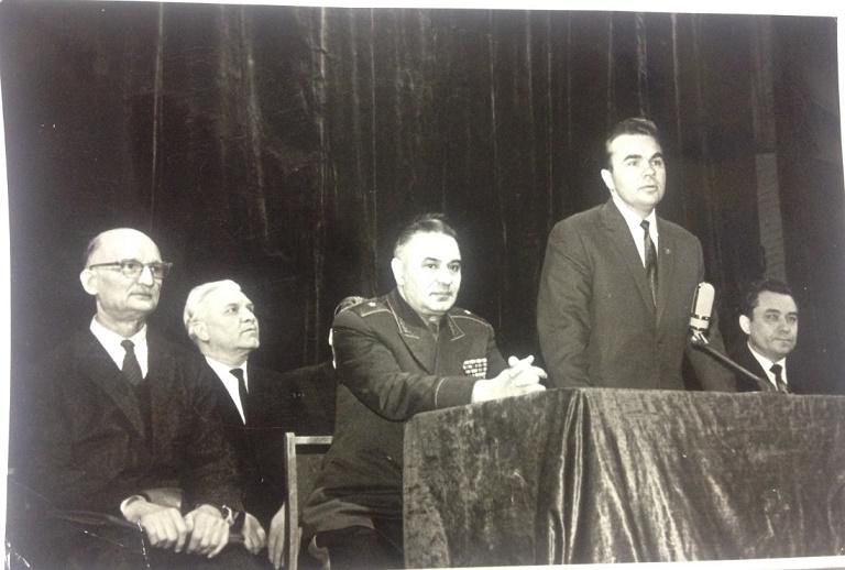 Знаменитые советские нелегалы на встрече с сотрудниками спецслужб СССР
